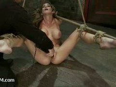 A squirting slut vibrated fiercely in category 5 suspension
