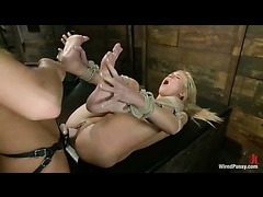 Nika Noire makes a blonde babe squirt from electrical play