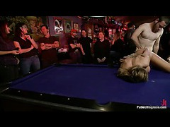 A squirting slut amusing the crowd with her extreme orgasms