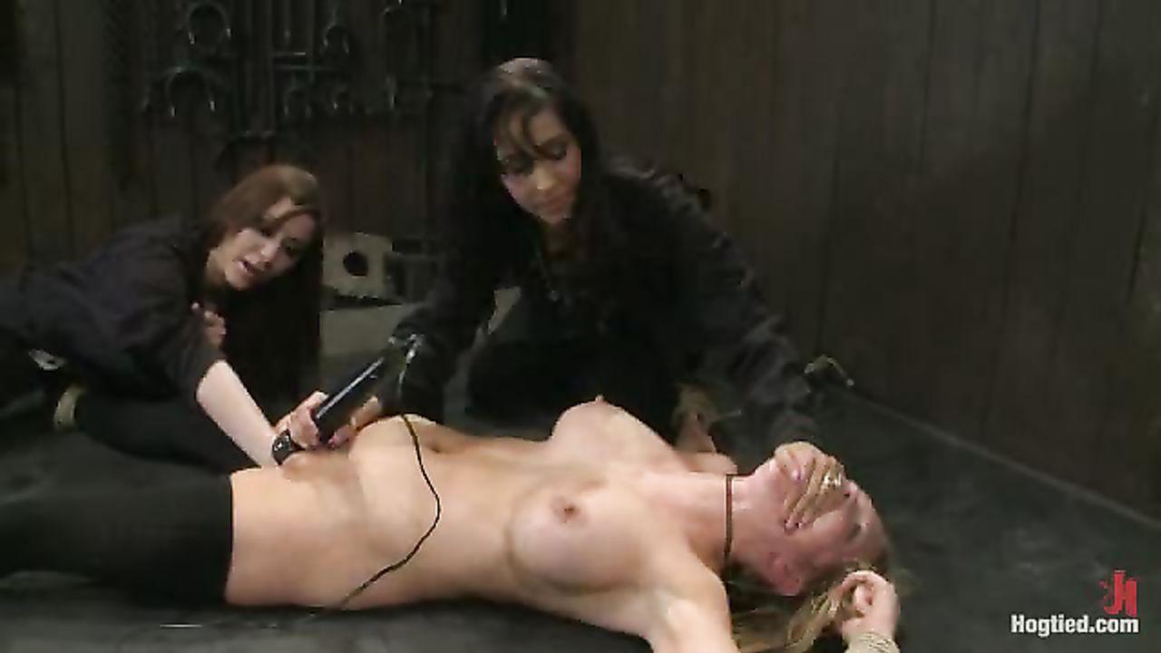 Leg Shaking Squirting Orgasm