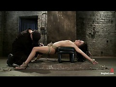 A cute babe stretched out and vibrated in a hip suspension