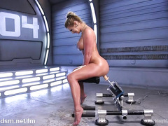 Voluptuous blonde chick with big ass masturbates with the fucking machine
