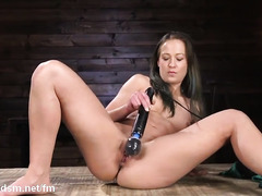 Hot amateur nude girl uses stiff fuck machine to induce orgasm