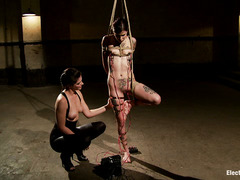 Krysta Kaos shakes in pleasure and pain during electroplay session