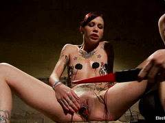 Krysta Kaos is fucked with an electrified plug that makes her scream