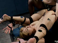 Lorelei Lee uses sticky shock pads and a dildo on cutie Lea Lexis
