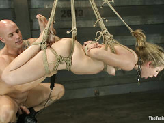 Chastity Lynn and her ass prove she can be a good little slave