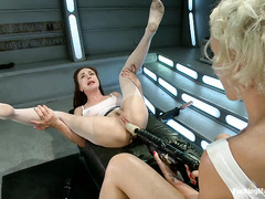 Dylan Ryan and Cytherea cannot control their cunts during machine action