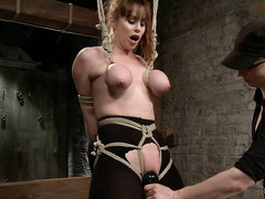 Bondage super-slut Bella Rossi gets her body punished hard