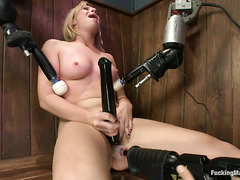 Jessica Heart's pussy spasms when she's brought to multiple orgasms