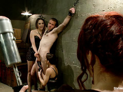 Jesse Carl is used repeatedly by three amazing, kinky females
