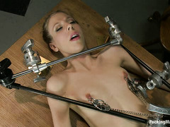 Chastity Lynn uses mechanical dildos on her ass and hairy cunt