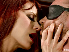 Maitresse Madeline has her hands full with kinky Will Havoc