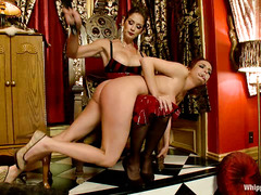 Ashley Graham partakes in her first lezdom bondage session
