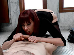 Hunk Jesse Carl suffers at the hands of sexy Domme Maitresse Madeline