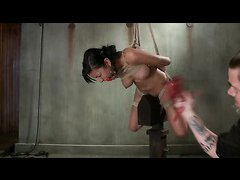 Beretta James is bound with rope and fingered until she cums