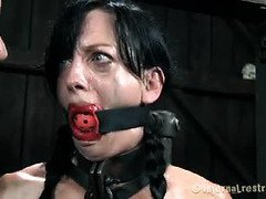 Master wants lovely slave to be quiet when he gives her a lusty punishment