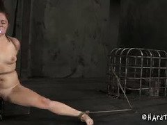 Babe could not hold in the dildo with her snatch and receives whipping punishment