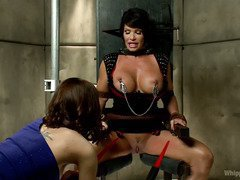 Voluptuous mature babe gets a lusty reprogramming from a demanding mistress