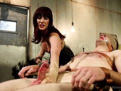 Hunk becomes the victim of an alluring thief mistress as she steals his cums