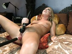 Intense and mind-blowing fucking machine drilling for gorgeous blonde babe