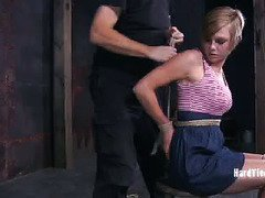 Cute slave babe must suffer under master's skillful and gracious punishment