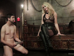 Stud wants to become mistress pleasure tool instead of a chastised foot cleaner