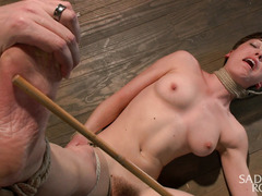 Brunette could not stop the flow of orgasmic delights meted on her juicy cunt
