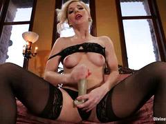 Smoking hot blonde mistress wants her viewer to masturbate according to her way