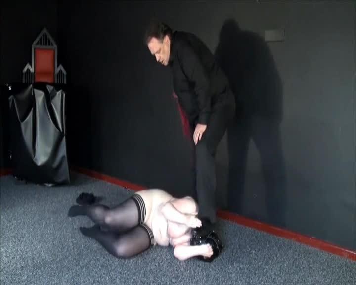Bizarre Punishment of Chubby Amateur Slavegirl