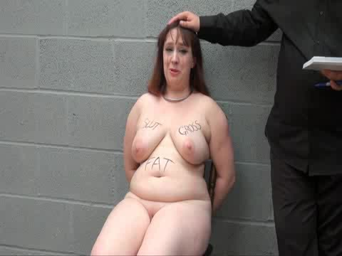 A fat pain slut gets her nipples and clit pinched